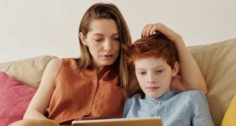 PERCORSI DI PARENT-TRAINING ONLINE: Un intervento di supporto genitoriale per la regolazione dell'utilizzo dei device elettronici da parte dei figli