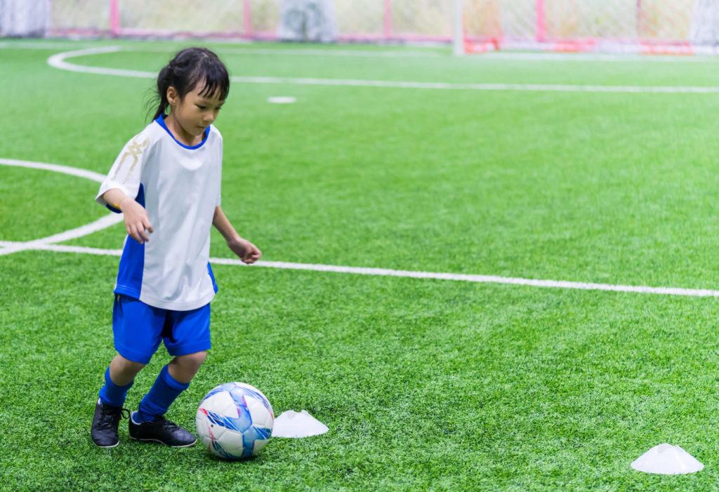 bambina-calcio