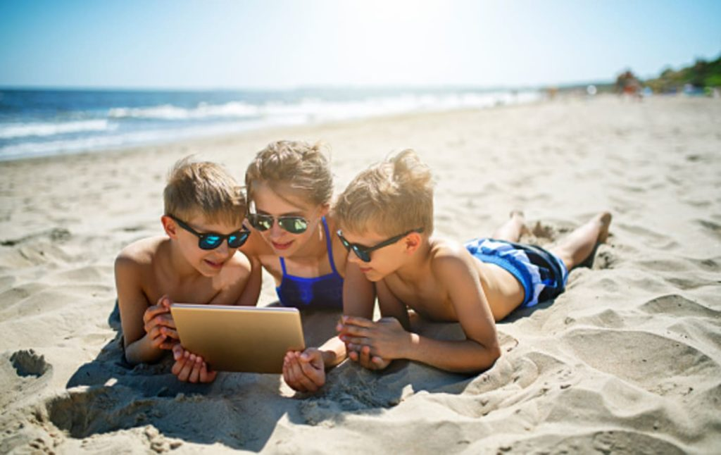 tablet-spiaggia-bambini